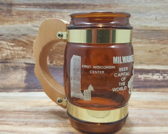 Siesta Ware, Milwaukee, brown mug, state mug, souvenir, 1970s