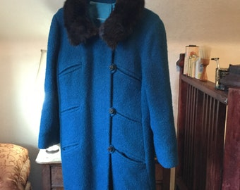 SPRING SALE! Beautiful turquoise vintage coat with mink collar (A074)