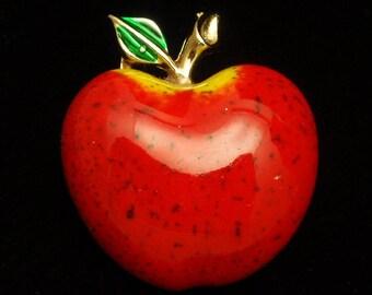 Apple Pin Vintage Enamel Beatrix
