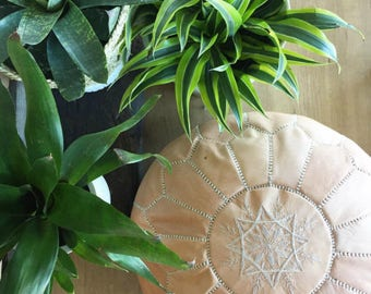 Moroccan leather pouf naturel