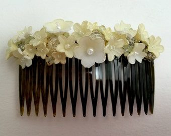 VINTAGE STYLE HAND beaded floral hair comb in cream and white by Colleen Toland