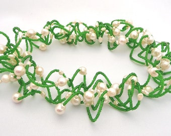 Lily of the Valley -- Green wavy choker with freshwater pearls