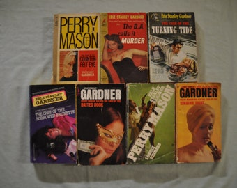 Group of 7 Erle Stanley Gardner Books - Paperback -  Lot 1