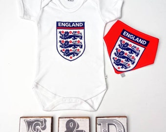 Free shipping, England World Cup baby onesie, football baby bodysuit, 3lions baby grow, baby shower gift, England football baby.