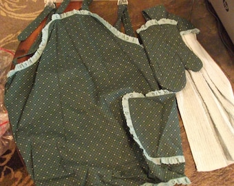 green full apron set
