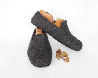 Dark Grey Men Slippers handmade wool slippers Men shoes house slippers Felted warm slippers felt - Home felted wool slippers House men shoes