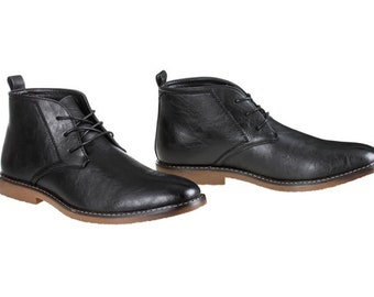 Men's Lace-Up Chukka Boots