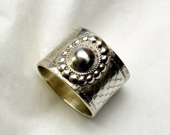 Concho Ring Sterling Silver Textured Band Ring