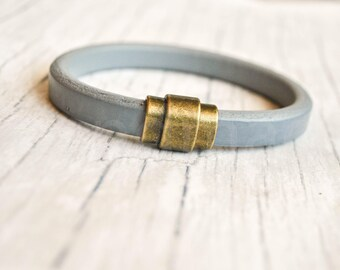Gray licorice leather bracelet | regaliz leather bracelet | regaliz wristband | licorice wristband | minimalist bracelet | pulsera hombre