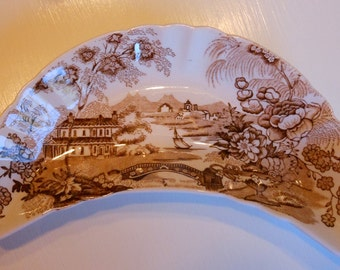 Royal Crownford Tonquin Bone Dish