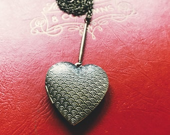 long heart decorative locket necklace antiqued brass - simple curb chain decorative brass metal