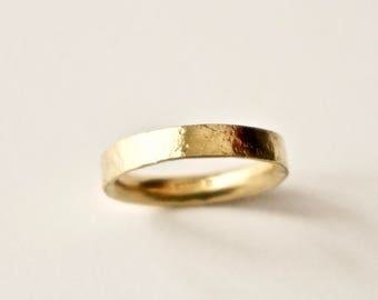 Gold Ring with Distressed Texture - 18 Carat Yellow Gold - Wedding Band - Hammered Organic Texture