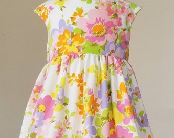 Vintage floral pocket dress/ twirl dress/ pink flowers/ pocket dress