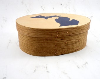 """Shaker oval box with handpainted inlay of state of Michigan """"Smitten with the mitten"""""""