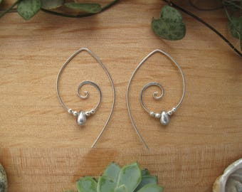Silver Spiral Earrings // Silver Teardrop Earrings // Glass Bead Earrings // Spiral Jewellery // Handmade