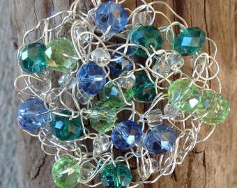 Crochet brooch, Crochet wire green and blue brooch, crochet jewelry, crochet wire brooch, crochet beaded jewelry, wirework crochet beaded br