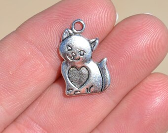 10  Silver Cat with a Heart Charms SC1447
