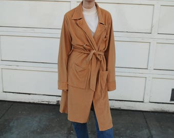 60s camel belted wrap trench coat / unlined / s / m