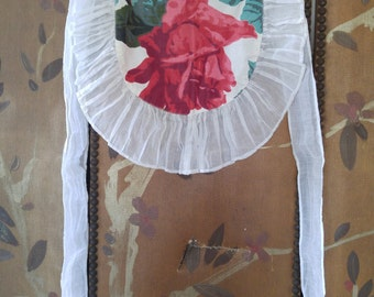 50s childs rose print apron with frilly hem