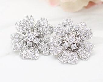 Bridal flower stud earrings, bridal stud earrings, bridesmaids earrings, Mother of the bride gift, wedding earrings, elyseejewelry