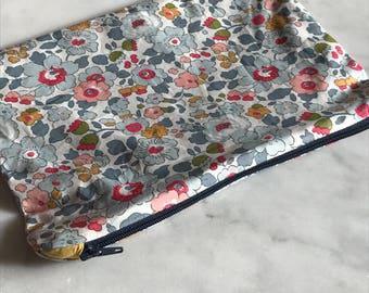 Liberty soft pouch