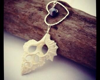 Hawaiian Jewelry Sea Shell Necklace, Beach Necklace Seashell Necklace Hawaii Jewelry Shell Jewelry Shell Pendant Beach Wedding Heart Pendant