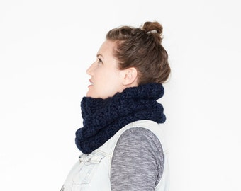The Stone Pine Cowl   22 Color Choices   Cozy Chunky Textured Knit Infinity Cowl Scarf