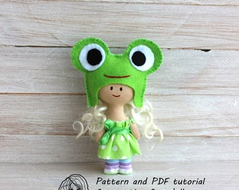 Pattern and PDF tutorial for creating frog doll,doll sewing pattern,softie pattern, doll sewing pattern,easy doll pattern