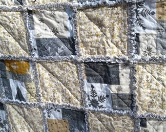 Winter Snowflake Rag Quilts