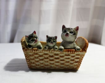 Vintage Mama Cat & Kittens Planter