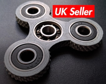 Fidget spinner toy - knurled edges - choice of colours / edc / stress toy / tri spinner KNU