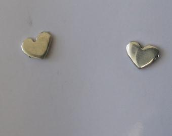Tiny,Tiny Hearts  Pair 6mm