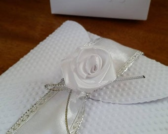 Square Share with ribbon and satin pink