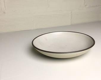 Medium Shallow Bowl in Still White Glaze