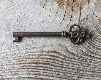 Antique Skeleton Key, Metal Key, Collectibles
