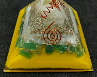 Manifestation And Wisdom Orgone Pyramid-Selenite,Green Onex,Crystal And Copper 80 MM