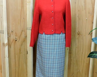 Vintage houndstooth skirt / 70s plaid wool skirt / size M 9 /10 / 1970s high waisted mid length wool skirt