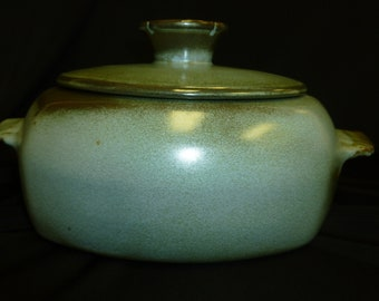 Frankoma covered casserole, prairie green