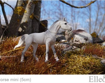 In stock. Realistic BJD Horse. Size 5 cm at the withers.
