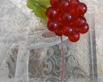 Italian Red Iridescent Plastic Berries