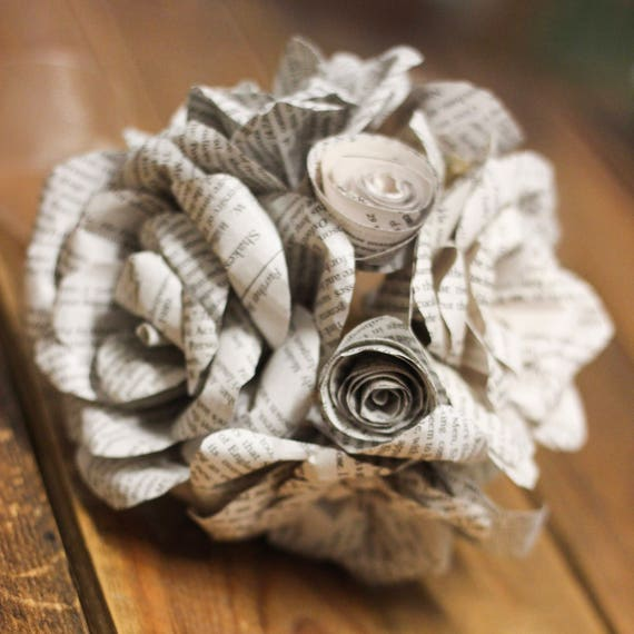 Multi-Rose paper flower bouquet // Paper flowers // Book page