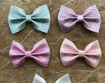 Pastel leather small classic bows