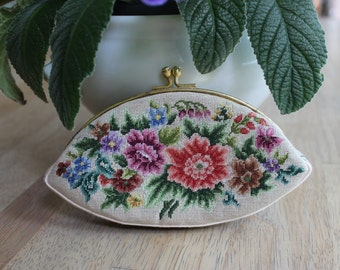 Vintage Petite Neddlepoint Purse, Coin Purse, Needlepoint Coin Purse