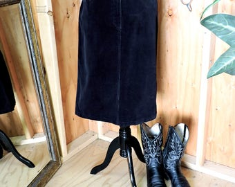 Black cord skirt / L size 14 / vintage 80s black corduroy skirt / Liz Claiborne Crazy Horse / gravelstreetvintage