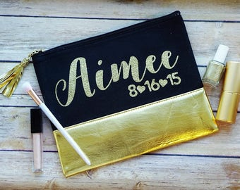 Bridesmaid Makeup Bag, Bridal Party Gift, Personalized Bridesmaid Gift, Personalized Makeup Bag, Gold Cosmetic Pouch, Gold Bag, Glitter Bag