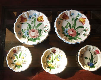 Vintage Set of Vanro Majolica Hand Painted Italian Plates – 2 Dinner and 3 Dessert Plates -  Floral Patterns 9428