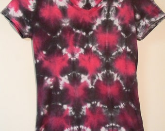 Women's Semi-fitted Scale Tie Die T-shirt Red S,M,L,XL
