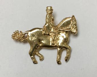 Dressage Horse Pin Brooch in 14K Yellow Gold, Hand Carved Handmade (EQU00019)