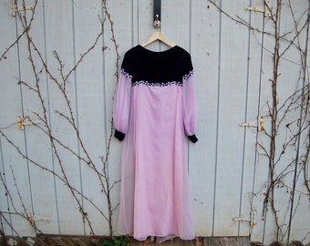 1960s lavender flowing gown