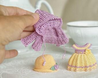 Hand knitting: Coat for Lati White SP (12 cm)